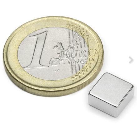 Disc Magnet block 8x8 mm, höjd 4 mm (10st) Nickelpläterad 1500g styrka
